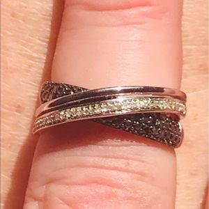 NWOT BLACK AND WHITE DIAMOND RING